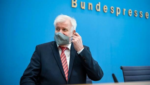 Seehofer will Extremismus bei der Polizei nun doch untersuchen
