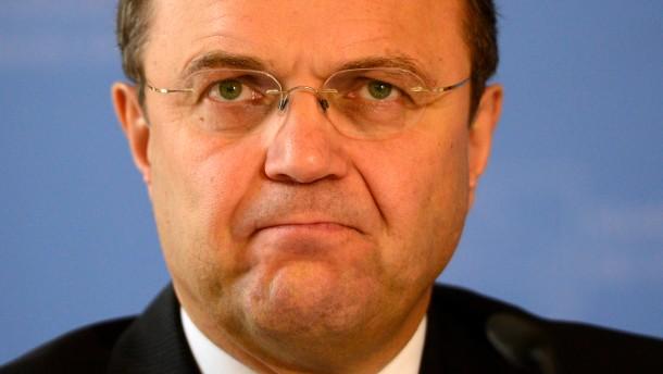 Friedrich will Zuwanderung mit Einreiseregister kontrollieren