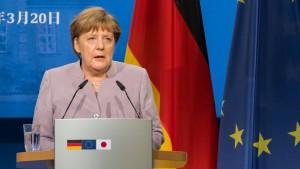 Merkel fordert von Erdogan Ende der Nazi-Vergleiche