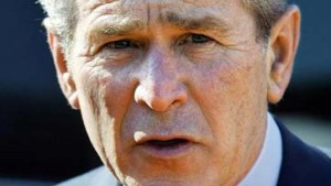 """Bush frühzeitig vor Gefahr durch Hurrikan """"Katrina"""" gewarnt"""