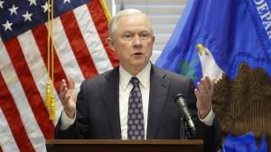 Sessions plant wohl Ermittlungen wegen Indiskretionen