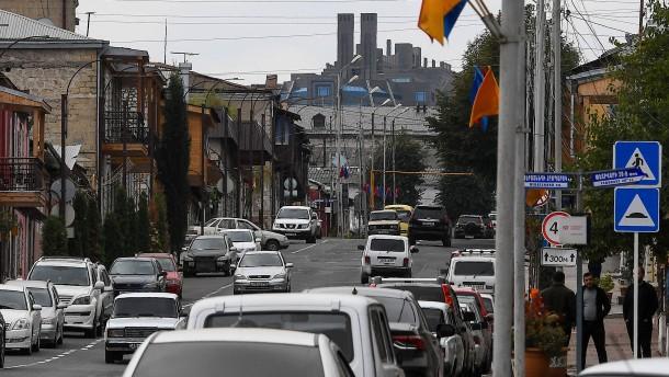 Aserbaidschans Streitkräfte sollen Stepanakert angegriffen haben