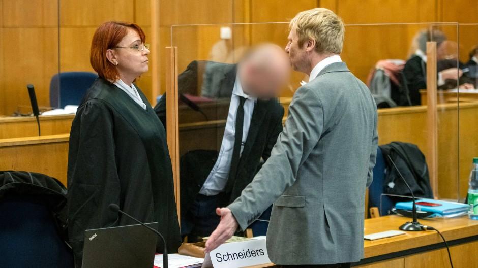 Welchen Anteil hatte Markus H. (Mitte) an der Ermordung Walter Lübckes? Die Beweislage zur Beantwortung dieser Frage ist dünn.