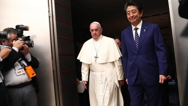 Papst stellt zivile Nutzung der Kernenergie in Frage