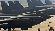 """Amerikanische Langstreckenbomber B-52 """"Stratofortress"""" auf der Barksdale Luftwaffenbasis in Louisiana (Archivbild)"""
