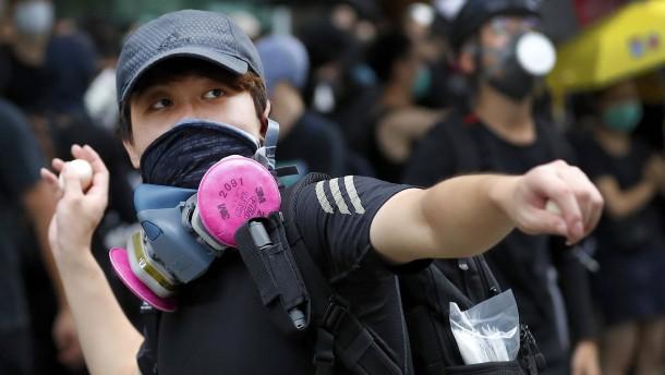 Polizei nimmt zahlreiche Demonstranten in Hongkong fest