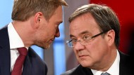 Lindner (links) und Laschet am Wahlabend