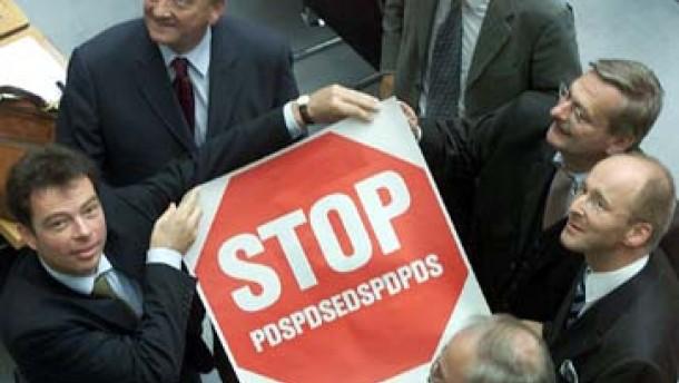 CDU schießt sich auf die PDS ein
