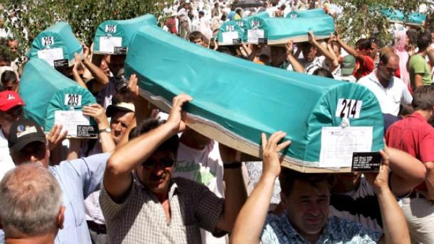 Tausende zum Gedenken in Srebrenica