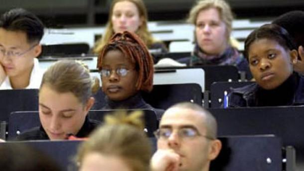 Basis lässt Parteivorstand bei Studiengebühren abblitzen