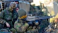 """Sie fahren nur noch mit deutschen Panzern. Niederländische Soldaten bei der Übung """"Bison Drawsko 2017"""" in Polen"""