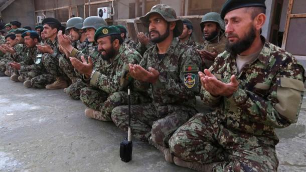 Nato gibt Kabul mehr Zeit, Obama drängt