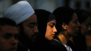 Christen und Muslime trauern gemeinsam um ermordeten Priester