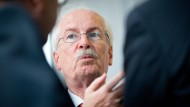 Unter Ermittlungsdruck: Generalbundesanwalt Harald Range im Rechtsauschuss des Bundestags
