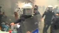 Polizei setzt bei Gezi-Jahrestag Tränengas ein