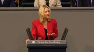 Bundestag berät Elterngeld Plus
