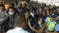 Rangeleien bei Protesten der Demokratiebewegung