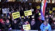 12.000 Bagida-Gegner auf der Straße