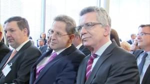 De Maizière weist Fehlverhalten im Umgang mit NSA zurück