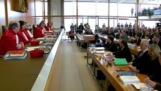 Holpriger Start ins NPD-Verbotsverfahren