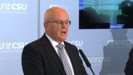 Kauder fordert Linientreue von der SPD in der Russland-Politik