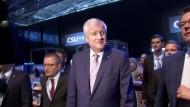 Seehofer schwört CSU auf Lagerwahlkampf ein
