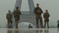 Sicherheitskräfte in Alarmbereitschaft