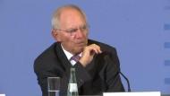 Schäuble deutet Steuersenkungen an