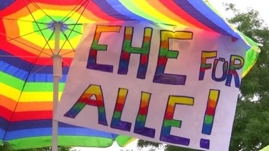 Party unterm Regenbogen