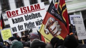 Deutlich mehr rechtsextreme Demonstranten als 2017