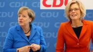 Die amtierende Kanzlerin – und die künftige? Angela Merkel mit der rheinland-pfälzischen CDU-Vorsitzenden Julia Klöckner. Zumindest ein Ministerposten könnte bei einem Wahlsieg der CDU drin sein.