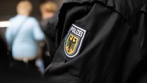 """Bundespolizisten sollen """"Hitlergruß"""" gezeigt haben"""