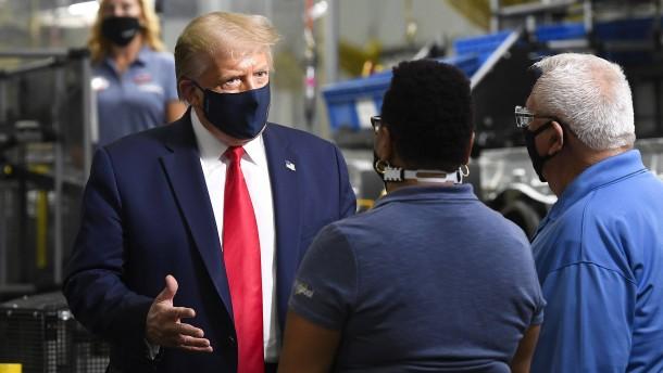 """Der Sieg gegen das """"China-Virus"""" soll Trump retten"""