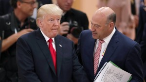 Trump-Berater kritisiert Präsidenten wegen Charlottesville