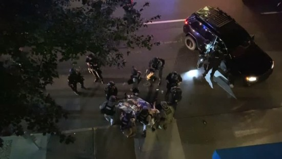 Ein Toter bei Zusammenstößen von Gegnern und Befürwortern Trumps