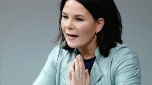 "Baerbock: ""Verbote können positive Folgen haben"""