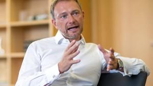 Lindner will Doppelpass für Enkelgeneration abschaffen