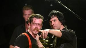 """Fans wollen """"Eagles of Death Metal"""" an die Chartspitze bringen"""