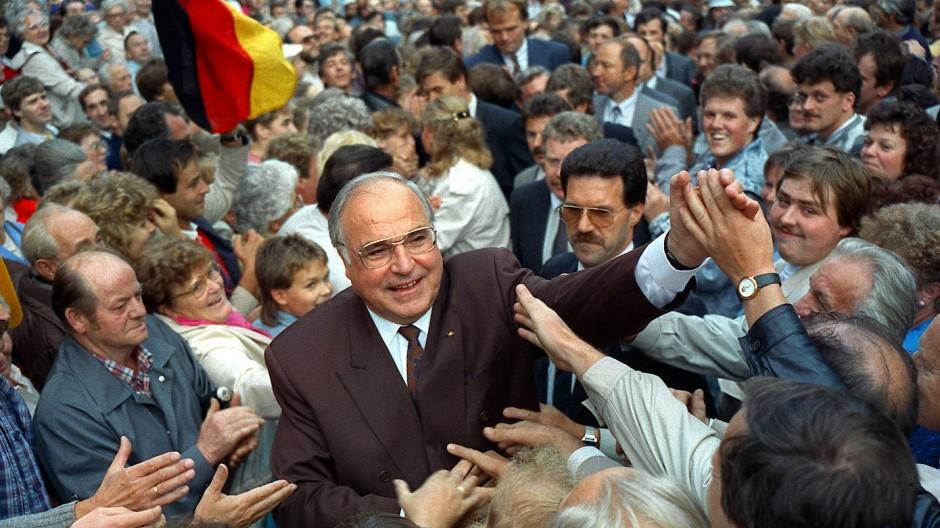 Kanzler der Einheit: Helmut im Bundestagswahlkampf 1990 in Thüringen.
