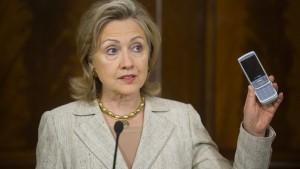 CSU-Innenpolitiker zweifelt an Clinton-Ausspähung