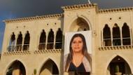 """""""Sie sollen alle verschwinden"""": Erinnerung an die getötete Rayya Chidiac am Haus ihrer Familie in Miziara"""