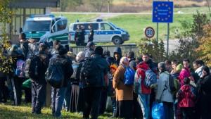Erstmals weniger Flüchtlinge über das Mittelmeer