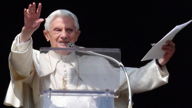 Papst beim angelus-Gebet