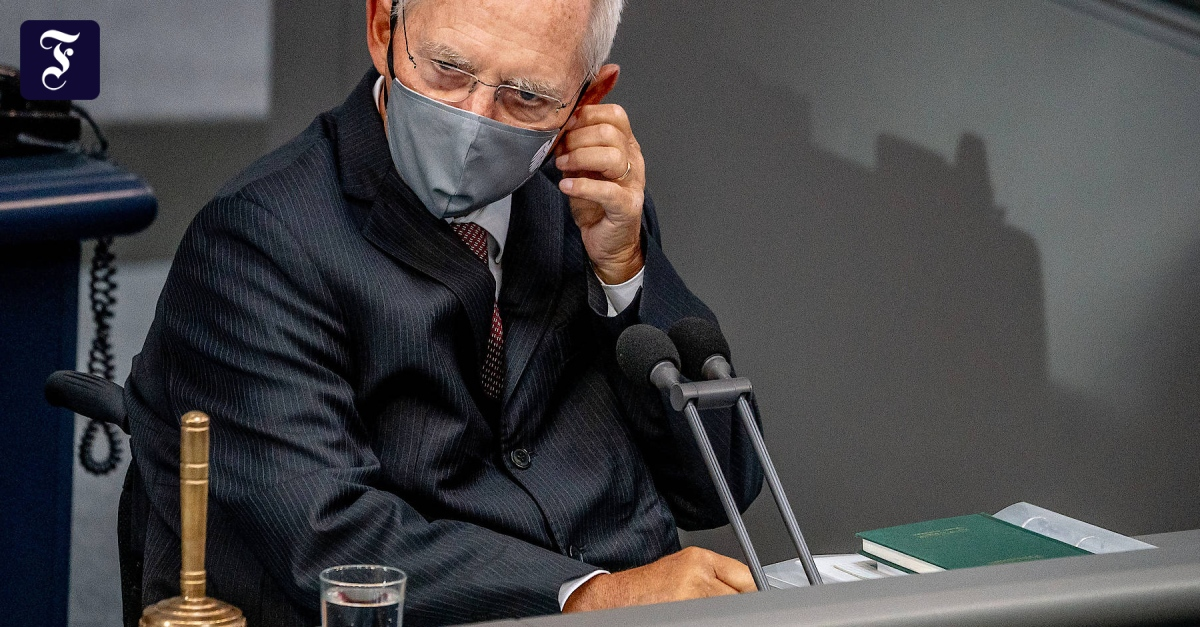 Von Dienstag an: Schäuble ordnet Maskenpflicht im Bundestag an