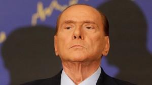 Berlusconi fühlt sich von Richterinnen verfolgt
