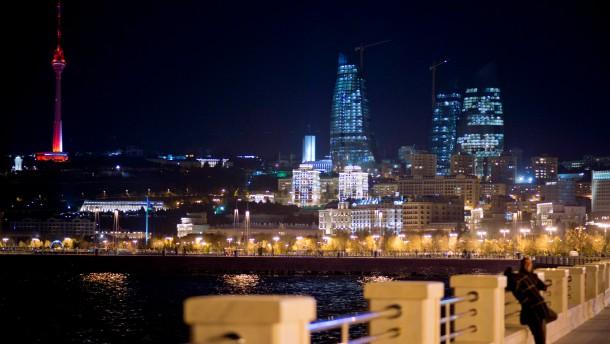 Hilfe aus Baku