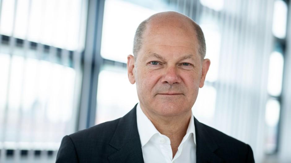 Bundesfinanzminister Olaf Scholz (SPD) wirbt für noch mehr Corona-Hilfen.