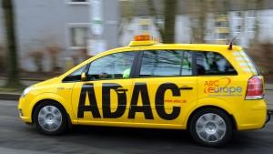 Kritik am Batterieverkauf des ADAC