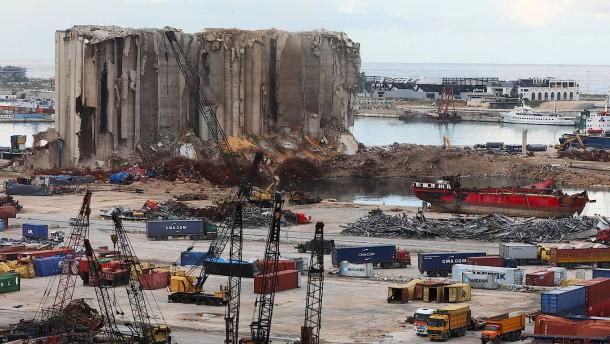 Libanons Regierungschef nach Explosion angeklagt