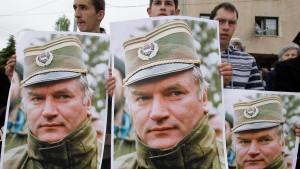 Nationalisten protestieren gegen Mladics Verhaftung